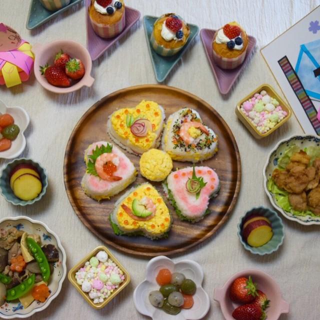 ひな祭りデコちらし寿司で大喜びな子供たち